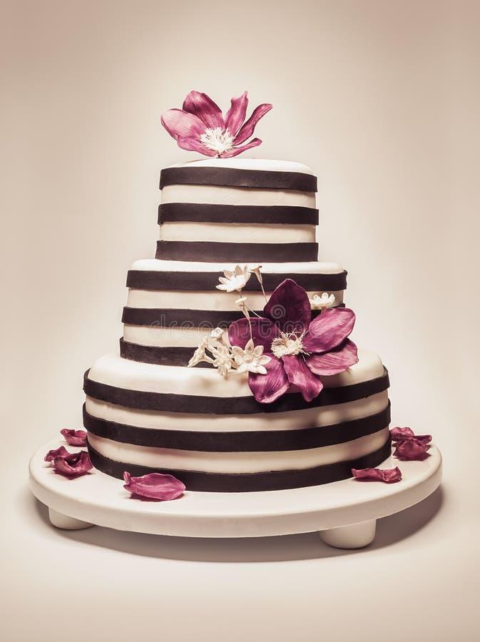 Mariage ou gâteau d'anniversaire photographie stock libre de droits