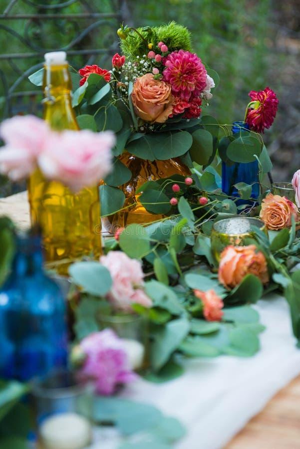 Mariage romantique de Bohême photo de détails avec fleurs photo libre de droits