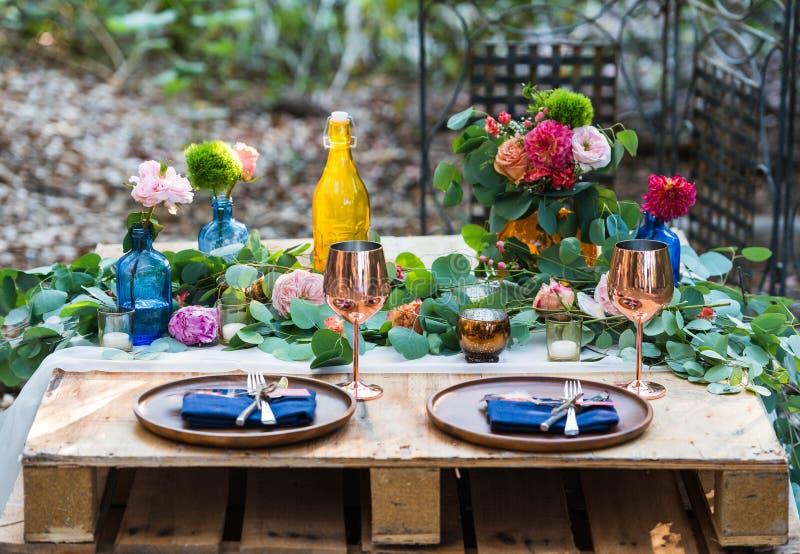 Mariage romantique de Bohême photo de détails sur la mariée aux fleurs photographie stock libre de droits