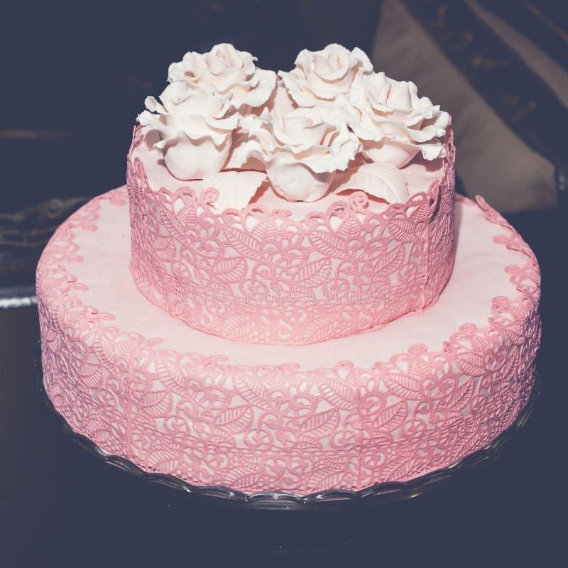 mariage rose de gâteau image stock