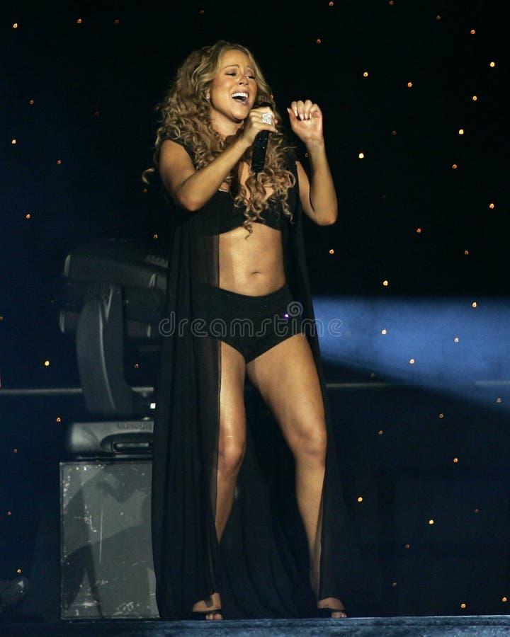 Mariah Carey executa no concerto fotos de stock