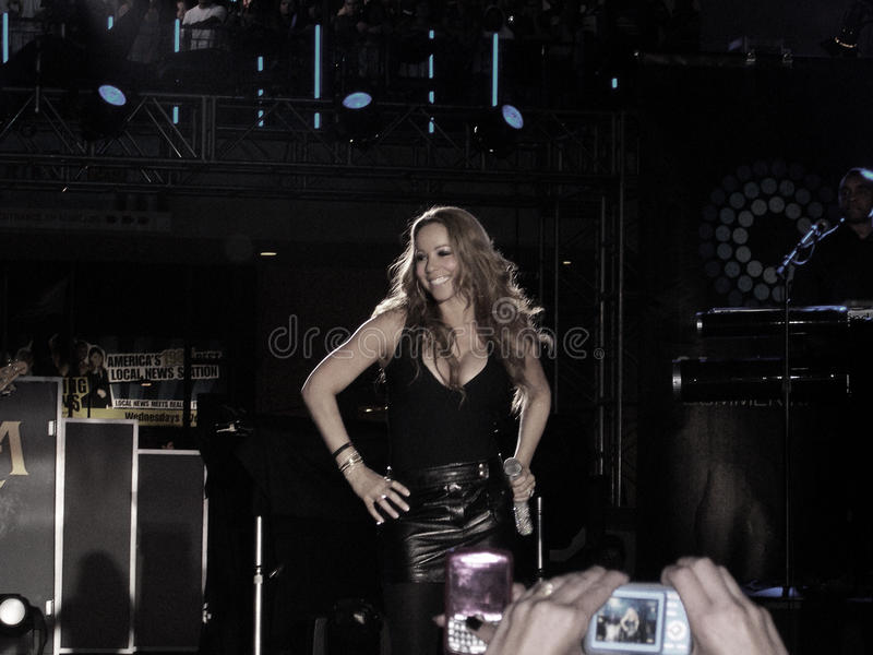 Download Mariah Carey Performing editorial photography. Image of hands - 11367317