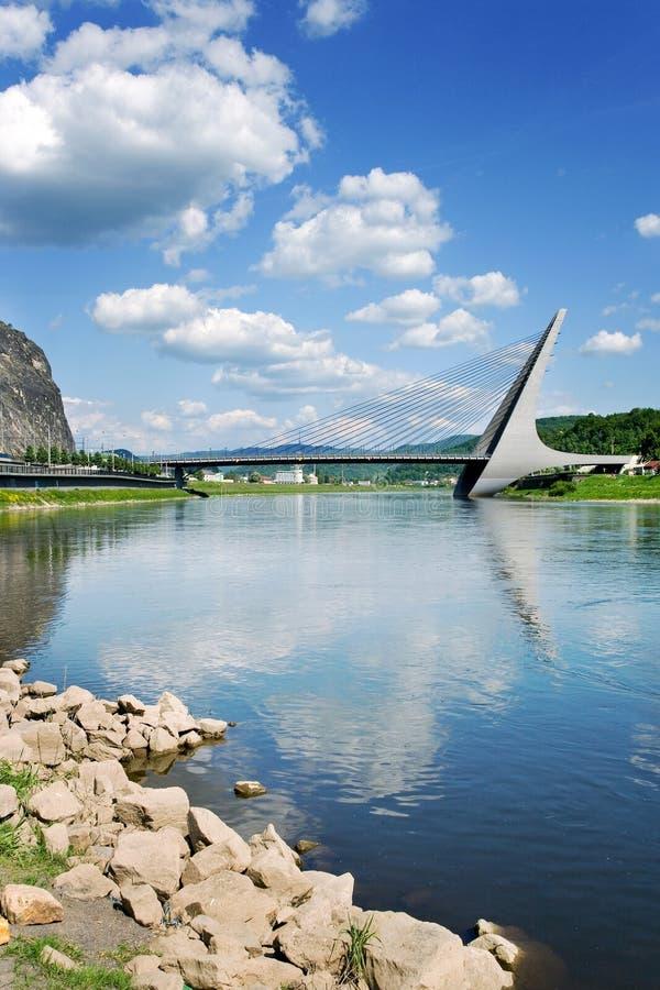 Marian brug over Elbe rivier, Usti-nad Labem, Tsjechische republiek stock afbeeldingen