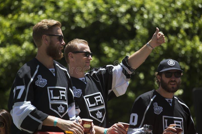 Marian Gaborik, Mike Richards y Jeff Carter en reyes 2014 Stanley Cup Victory Parade, Los Ángeles, California, los E.E.U.U. del L imágenes de archivo libres de regalías