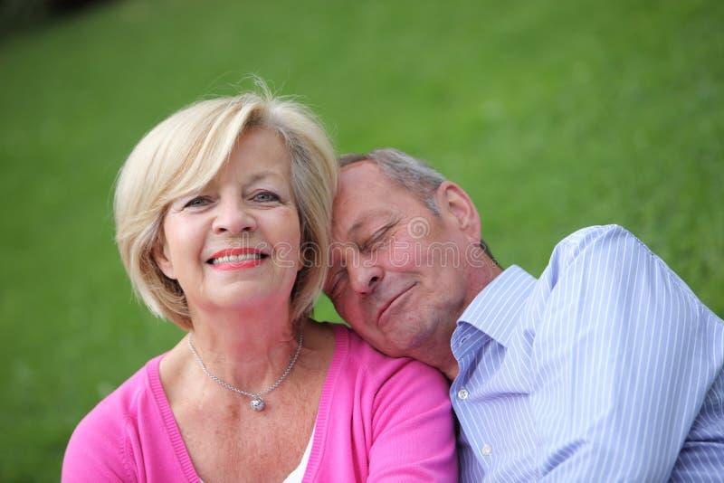 Marido e esposa superiores loving foto de stock