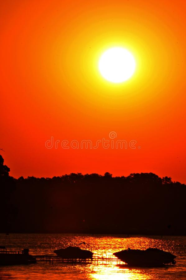Marie de lac sunset image libre de droits