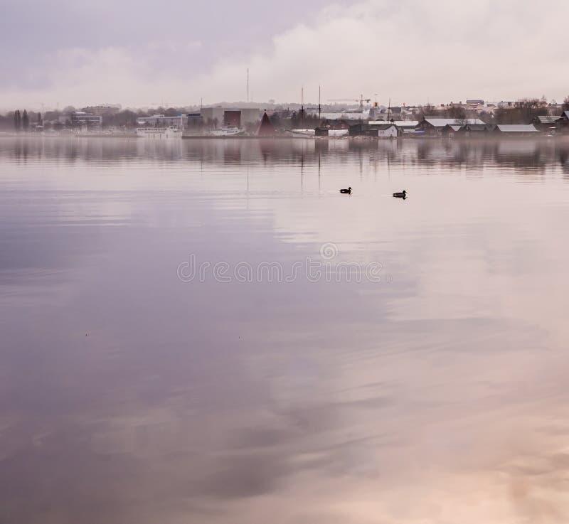 Mariehamn, cidade de Ã¥land vista da água com espaço da cópia para o te foto de stock royalty free