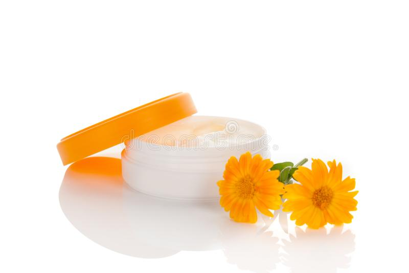 Marigold κρέμα στο λευκό στοκ εικόνες με δικαίωμα ελεύθερης χρήσης