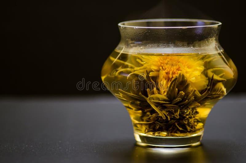 Marigold τσάι στοκ φωτογραφίες