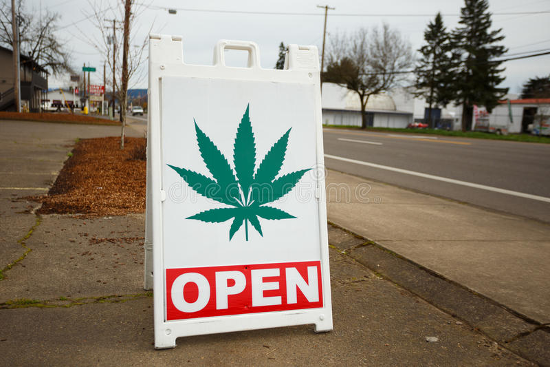 Marihuana-Apotheken-Zeichen stockbild