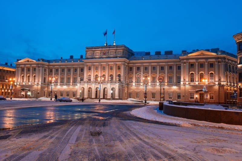 Mariinsky pałac jest częścią zespół St Isaac kwadrat, projektujący obraz royalty free