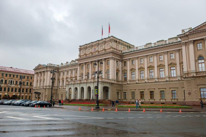 Mariinskypaleis in St. Petersburg stock foto's