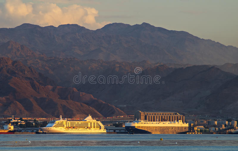 Marin- port av Aqaba, Jordanien royaltyfri foto