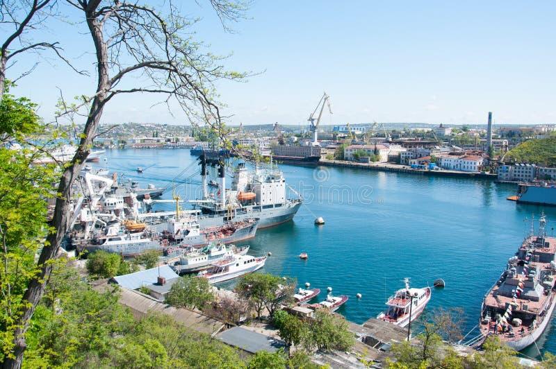 Marin- stadslandskap för härlig sikt sevastopol Black Sea Por royaltyfri foto