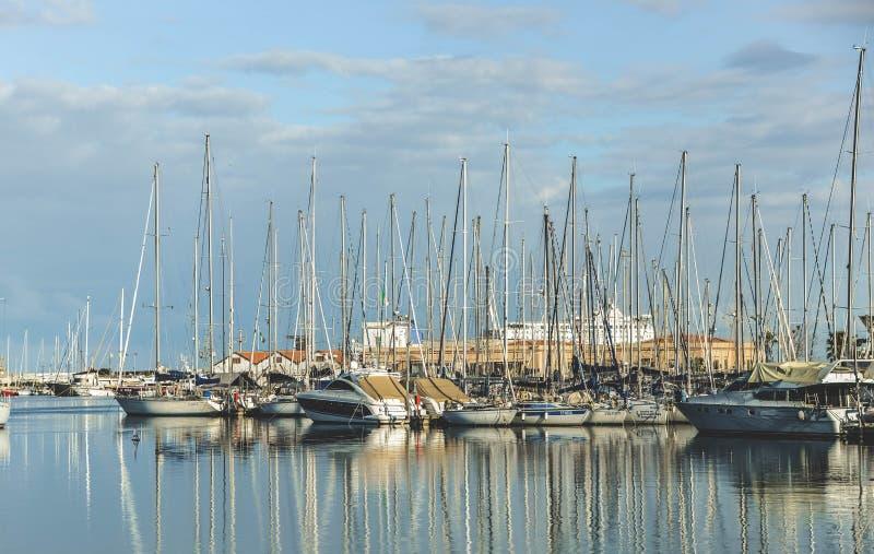 marina Barca a vela fotografie stock libere da diritti