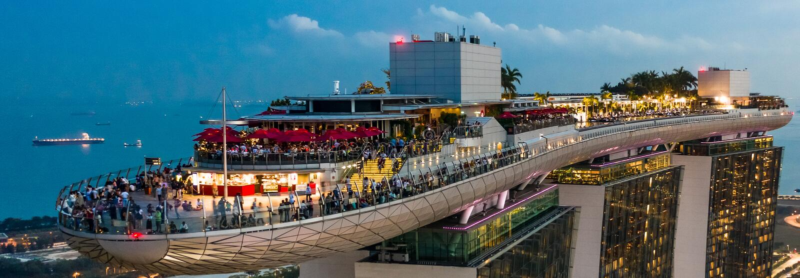 Marina Bay Hotel Skypark Skygarden Skybar em Singapura imagens de stock royalty free