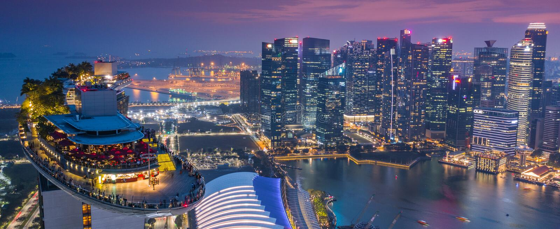 Marina Bay Hotel Skypark Skygarden Skybar en Singapur - nave espacial imagen de archivo libre de regalías