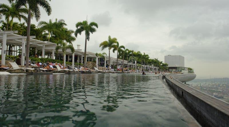 Marina Bay insabbia lo stagno dell'infinito dell'hotel immagini stock