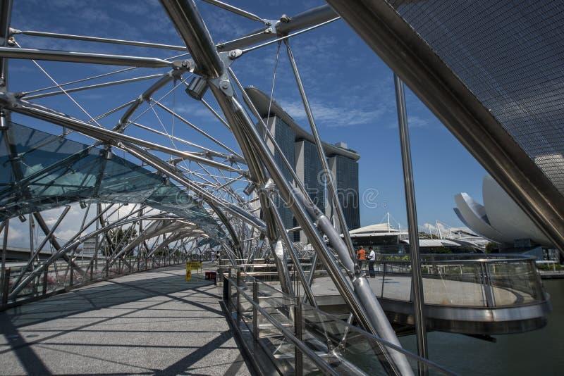 Marina Bay mit Marina Bay Sands Hotel und dem ArtScience-Museum lizenzfreies stockbild