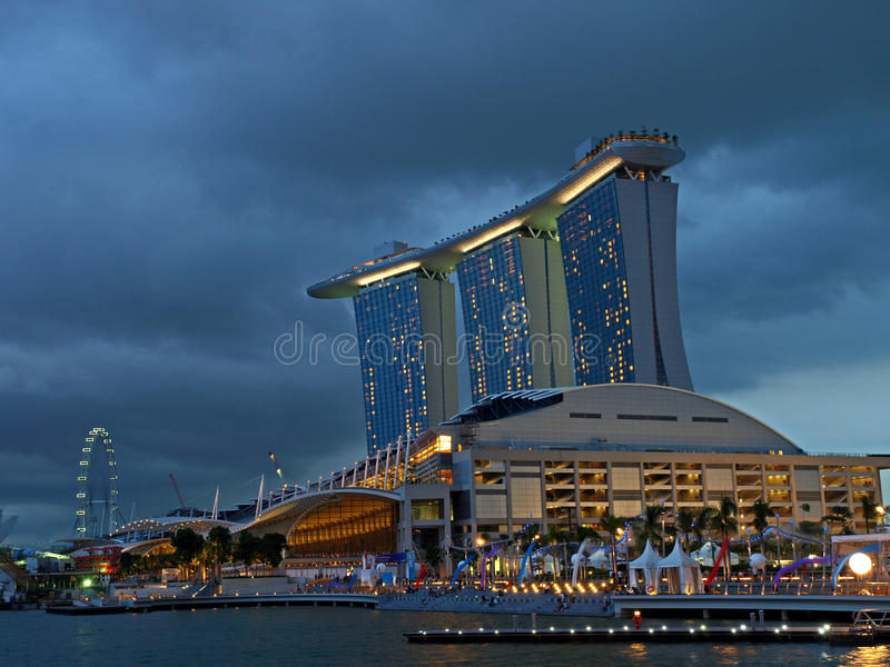 Download Marina Bay Sands Casino editorial image. Image of entry - 15600440