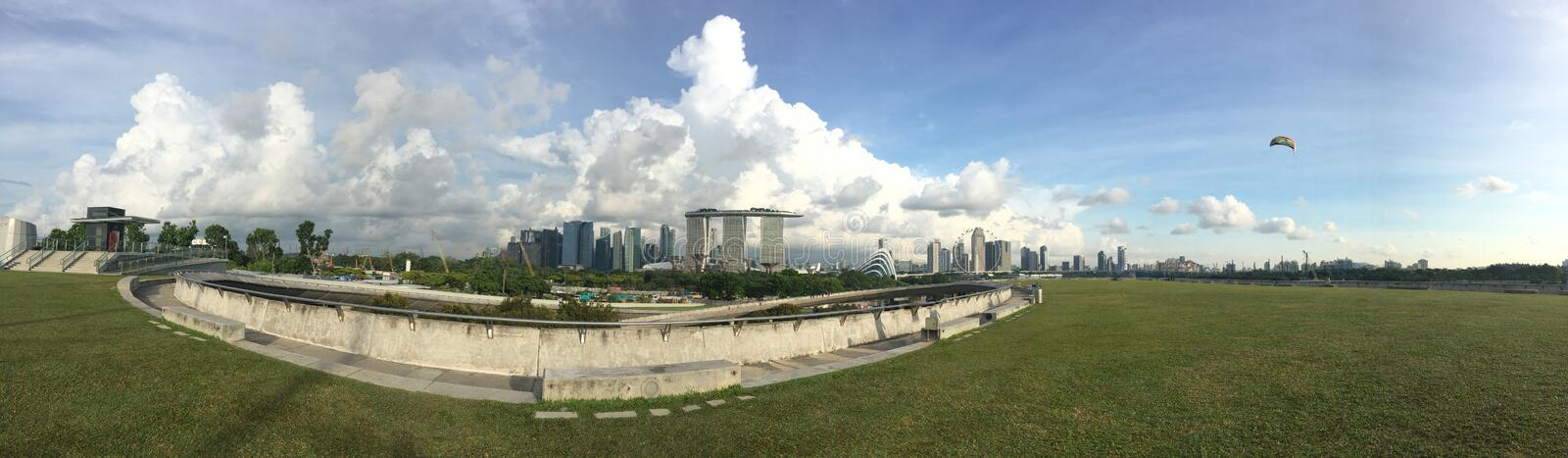 Marina Bay Sands da Marina Barrage immagine stock
