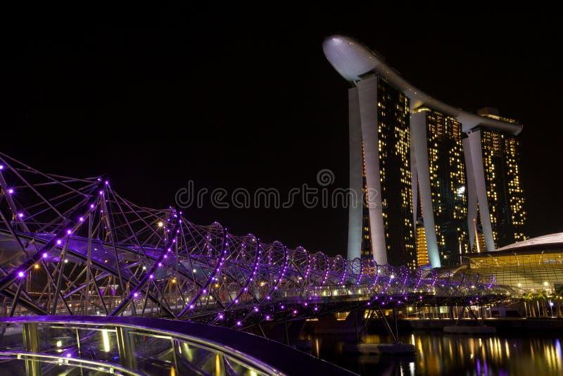 Marina Bay Sands e ponte dell'elica immagine stock libera da diritti