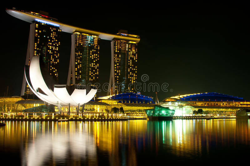 Download Marina Bay Sands Hotel And Casino Editorial Stock Photo - Image: 18868653