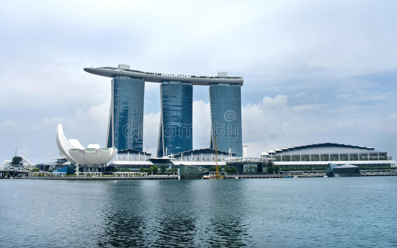 Download Marina Bay Sands Resort editorial image. Image of light - 23172850