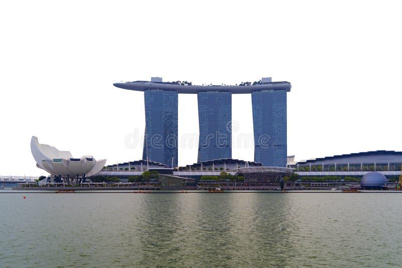 Marina Bay sands in Singapore Downtown skyline isolate su fondo bianco Centri finanziari di città urbane immagini stock libere da diritti