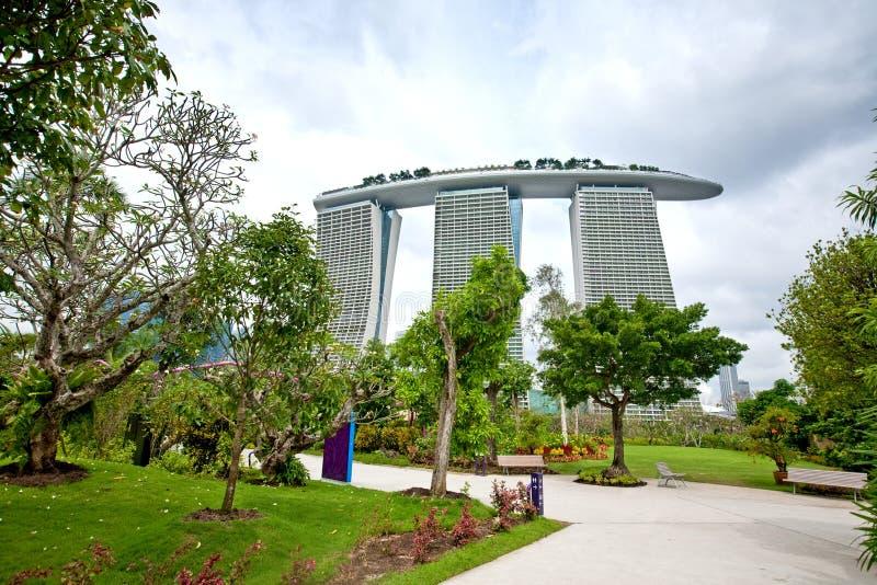Marina Bay Sands, wie von den Gärten durch die Bucht gesehen, SINGAPUR stockfoto