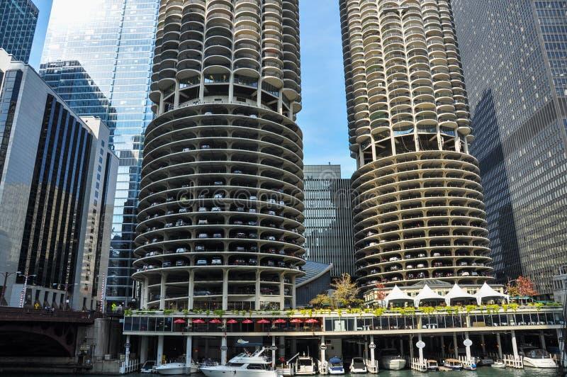 Marina City is een gebouw van de mengen-gebruiks woon-reclamespot complex in Chicago stock afbeelding