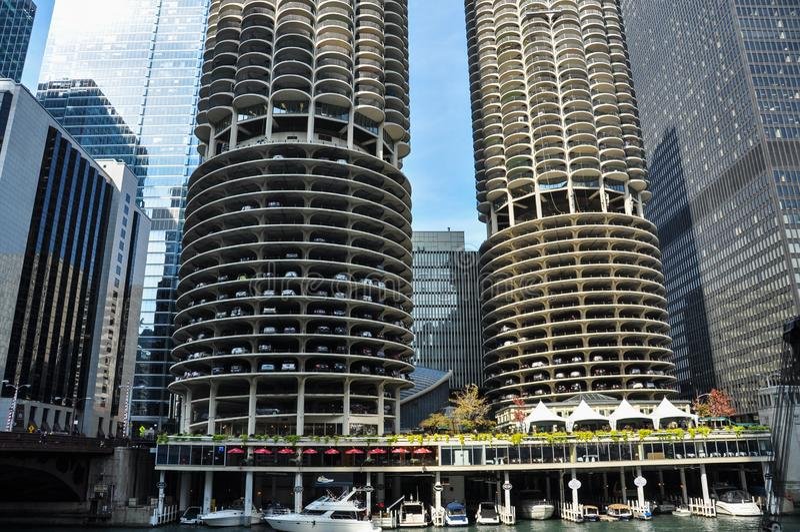 Marina City is een gebouw van de mengen-gebruiks woon-reclamespot complex in Chicago stock fotografie