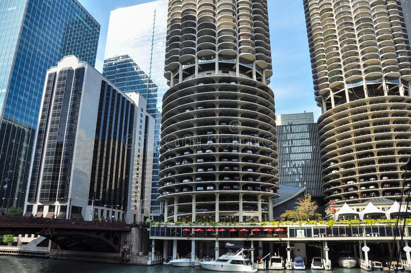 Marina City is een gebouw van de mengen-gebruiks woon-reclamespot complex in Chicago stock foto's