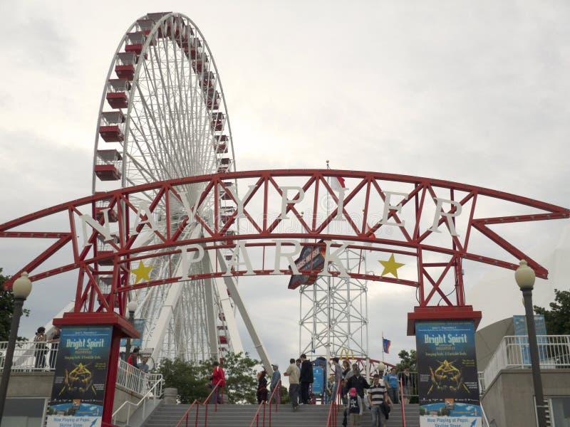 Marina de guerra Pier Ferris Wheel imágenes de archivo libres de regalías