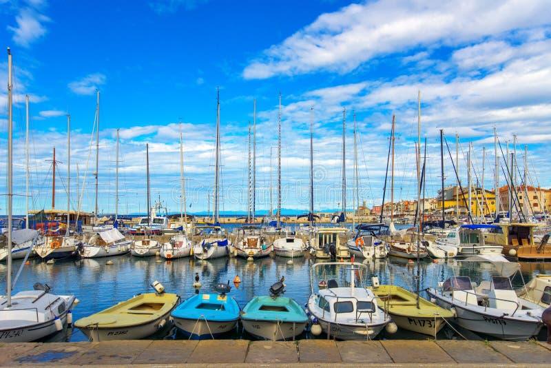 Marina de Piran avec des bateaux photo stock