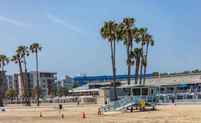 Marina del Rey sandig strand i en solig vårdag, USA royaltyfri foto