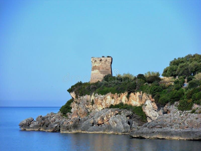 Marina Di Camerota - wierza wyspa zdjęcia royalty free