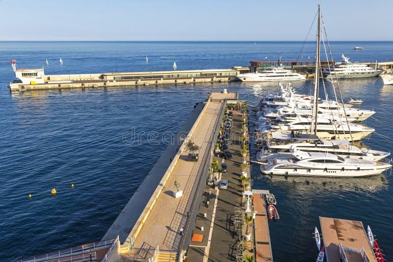 Marina du club de yacht De Monaco, Monaco images stock