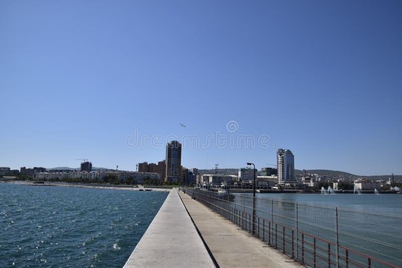 marina i quay Novorossiysk Miastowy krajobraz biedne miasto fotografia stock