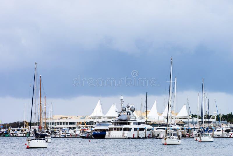 Marina Mirage på Goldet Coast royaltyfri foto