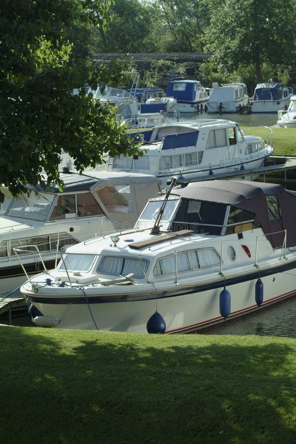 Download Marina łodzi obraz stock. Obraz złożonej z wiejski, podróż - 127251