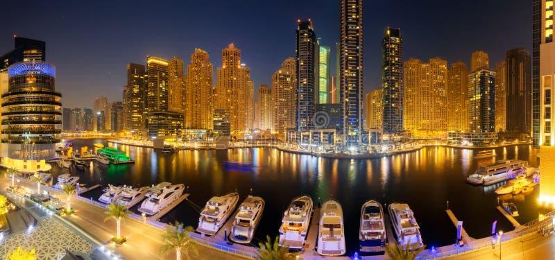 Marina Promenade na cidade de Dubai, UAE foto de stock royalty free
