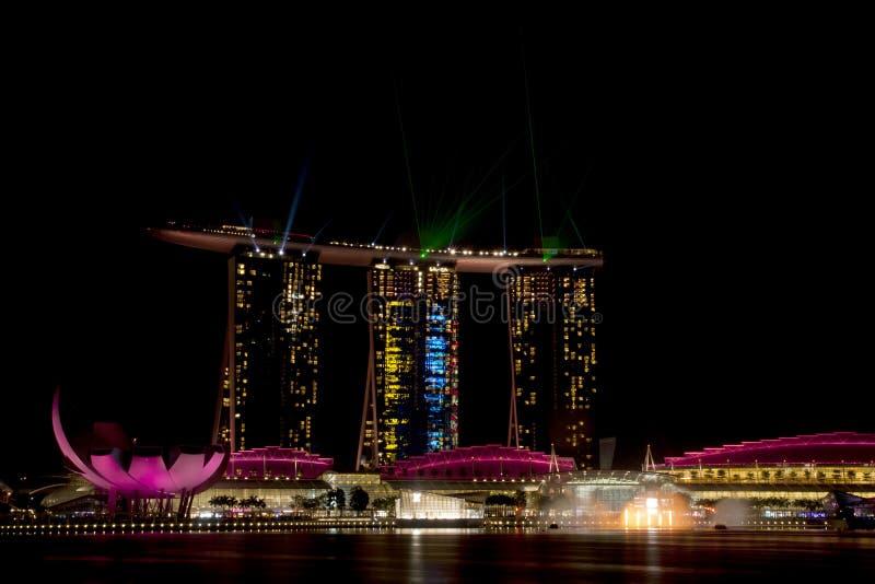Marinafjärden Sands hotellet i Singapore. royaltyfria foton