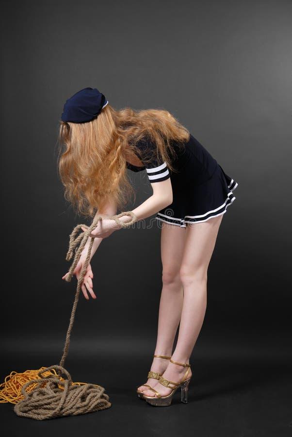 Marinaio con capelli giusti lunghi immagini stock