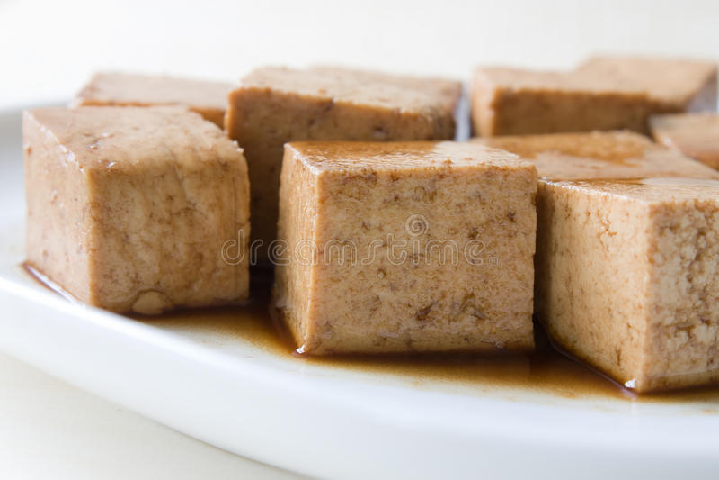marinated tofu arkivbilder