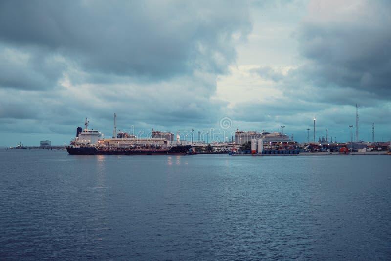 Marine Industrial Commercial Port Zona industrial com navios fotografia de stock