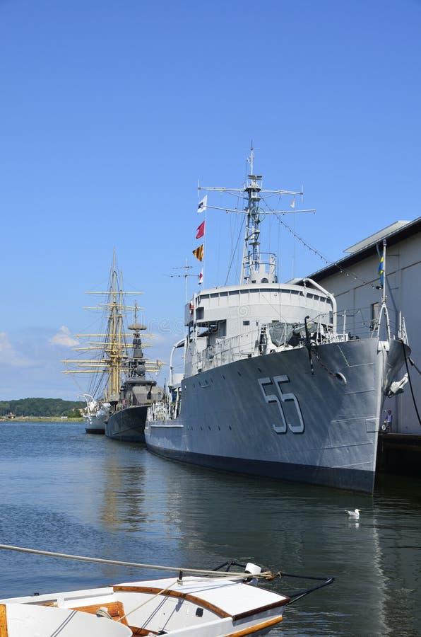 Marine-Schiffe am Seemuseum in Karlskrona, Schweden stockfotos