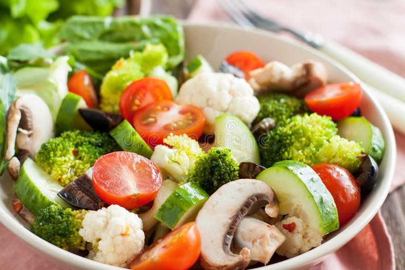 Marinierter italienischer Salat stockfoto