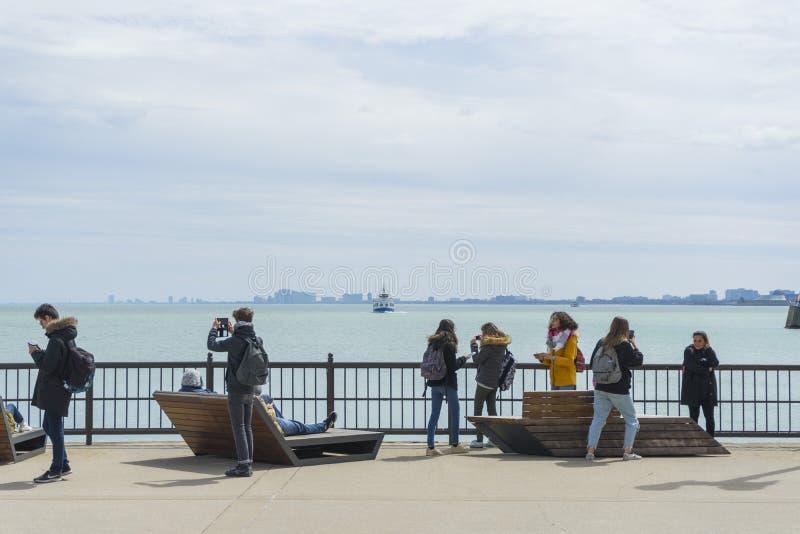 Marinpir på solig dag i Chicago, Illinois, USA arkivbild