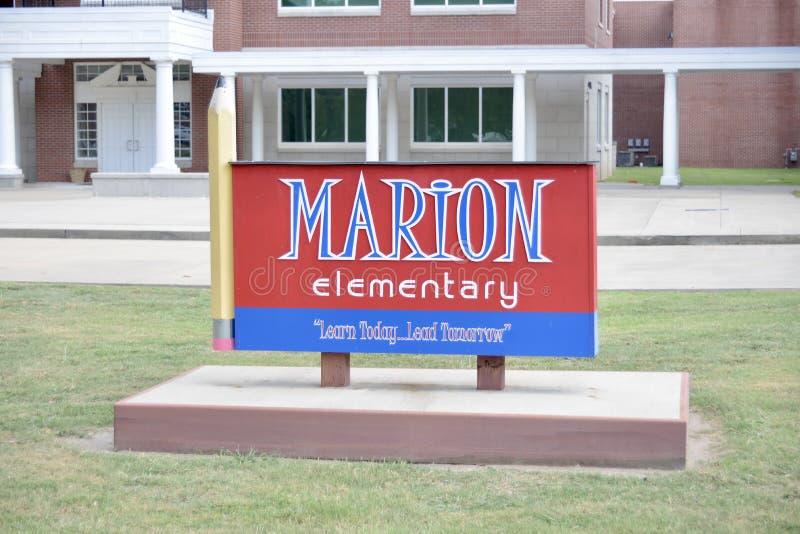 Marion Arkansas Elementary School Sign arkivfoton